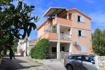 Slatine, Čiovo, Property 17235 - Apartments near sea with pebble beach.