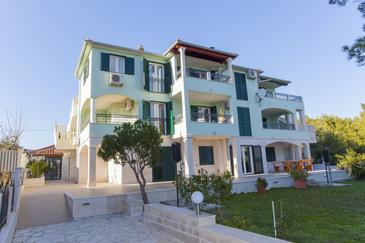 Sumartin, Brač, Property 17267 - Apartments with pebble beach.