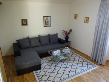 Orebić, Living room 1 in the apartment, air condition available and WiFi.