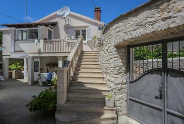 Supetar, Brač, Property 17286 - Apartments near sea with pebble beach.