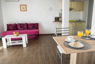 Dugi Rat, Camera di soggiorno nell'alloggi del tipo apartment, condizionatore disponibile e WiFi.