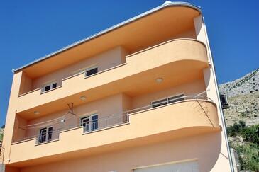 Dugi Rat, Omiš, Property 17287 - Apartments with pebble beach.