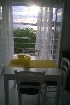 Zatoglav, Comedor in the apartment, air condition available y WiFi.