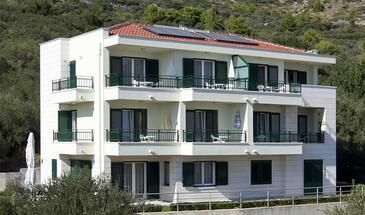 Igrane, Makarska, Objekt 17292 - Apartmani blizu mora sa šljunčanom plažom.