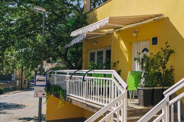 Baška Voda, Makarska, Hébergement 17300 - Appartement avec une plage de galets.