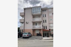 Apartments with a parking space Baska Voda (Makarska) - 17304