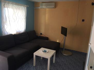 Vir - Pedinka, Living room in the apartment, air condition available and WiFi.