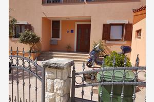 Apartmány s parkoviskom Zadar - Diklo (Zadar) - 17324