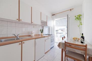 Vodice, Kitchen in the apartment, WiFi.
