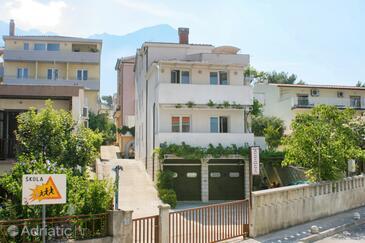 Baška Voda, Makarska, Property 17331 - Apartments with pebble beach.