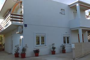 Apartments by the sea Starigrad, Paklenica - 17340