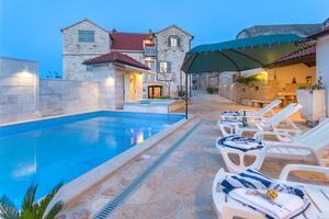 Rodinný dům s bazénem Škrip, Brač - 17345