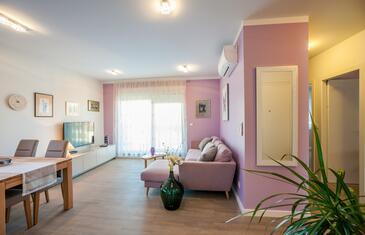 Zadar, Wohnzimmer in folgender Unterkunftsart apartment, Klimaanlage vorhanden und WiFi.