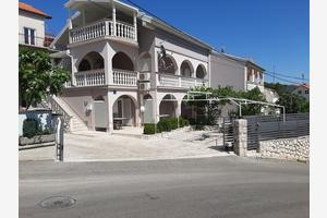 Apartments with a parking space Crikvenica - 17356