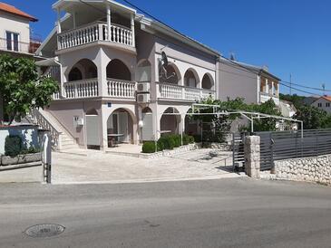 Crikvenica, Crikvenica, Объект 17356 - Апартаменты с галечным пляжем.
