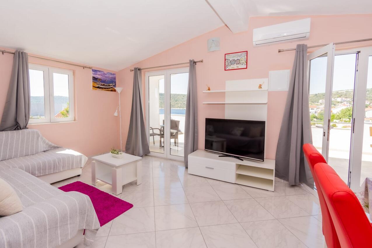 Ferienwohnung im Ort Kanica (Rogoznica), Kapazität 4+1 (2625033), Kanica, , Dalmatien, Kroatien, Bild 2
