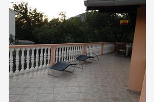 Апартаменты с парковкой Селине - Seline (Пакленица - Paklenica) - 17390