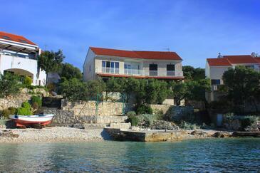 Tri Žala, Korčula, Objekt 174 - Apartmani blizu mora sa šljunčanom plažom.