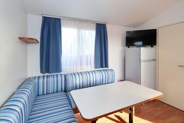Pašman, Jídelna v ubytování typu apartment, s klimatizací a WiFi.