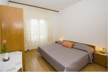 Kampor, Spavaća soba u smještaju tipa room, WiFi.