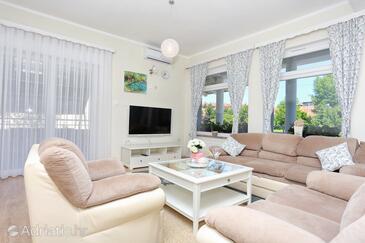 Slunj, Obývacia izba v ubytovacej jednotke apartment, klimatizácia k dispozícii a WiFi.