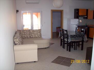 Vir, Гостиная в размещении типа apartment, доступный кондиционер и Домашние животные допускаются.