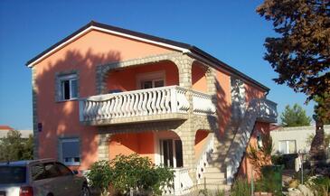 Vir, Vir, Объект 17422 - Апартаменты с галечным пляжем.