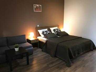 Oštarski Stanovi, Spavaća soba u smještaju tipa room, dostupna klima i WiFi.