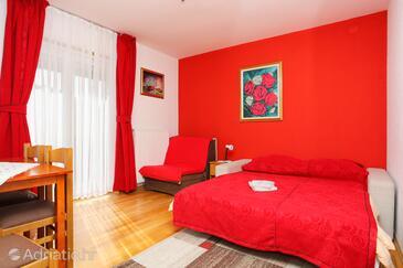 Vranovača, Obývací pokoj v ubytování typu apartment, domácí mazlíčci povoleni a WiFi.