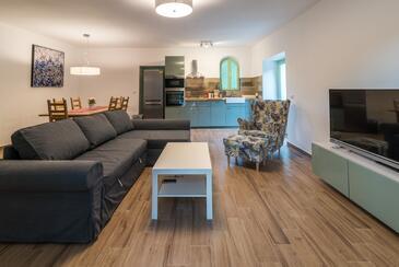 Vrbnik, Pokój dzienny w zakwaterowaniu typu house, Dostępna klimatyzacja, zwierzęta domowe są dozwolone i WiFi.