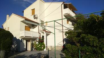 Lopar, Rab, Property 17436 - Apartments with sandy beach.
