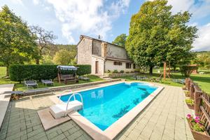 Family friendly house with a swimming pool Roč (Central Istria - Središnja Istra) - 17446