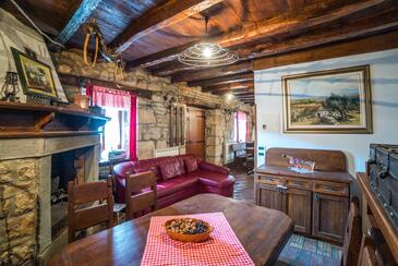 Roč, Dnevna soba 1 v nastanitvi vrste house, dostopna klima, Hišni ljubljenčki dovoljeni in WiFi.