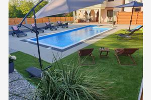 Family friendly house with a swimming pool Donja Jagodnja (Biograd) - 17449