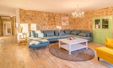 Garica, Obývací pokoj v ubytování typu house, s klimatizací, domácí mazlíčci povoleni a WiFi.