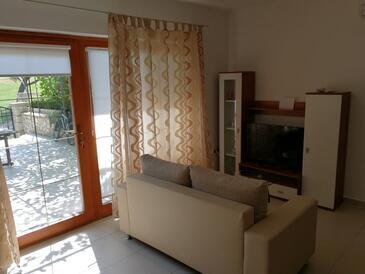 Vrsar, Obývací pokoj v ubytování typu studio-apartment, s klimatizací, domácí mazlíčci povoleni a WiFi.