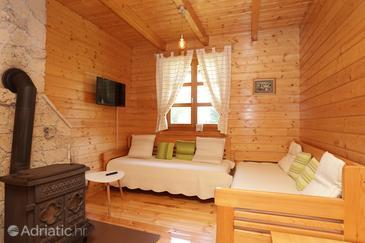 Jelov Klanac, Obývací pokoj v ubytování typu apartment, domácí mazlíčci povoleni a WiFi.
