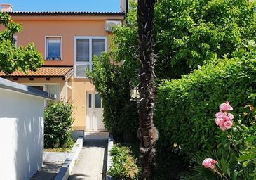 Kostrena, Rijeka, Объект 17476 - Апартаменты с галечным пляжем.