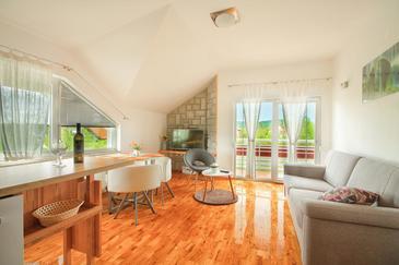 Čatrnja, Dnevna soba v nastanitvi vrste apartment, dostopna klima in WiFi.