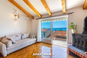 Apartments with WiFi Crikvenica - 17497