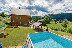 Apartamente cu piscină potrivite pentru familiile cu copii Jasenak, Karlovac - 17501