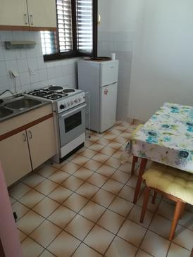 Novalja, Kitchen in the apartment, (pet friendly) and WiFi.