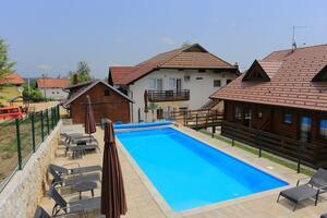 Ubytovanie s bazénom Grabovac (Plitvice) - 17514