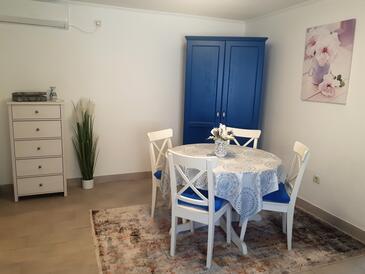 Kaštelir, Jídelna v ubytování typu apartment, s klimatizací a WiFi.