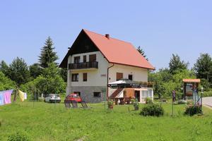 Sobe z zasebnim parkirnim mestomJezerce (Plitvice) - 17530