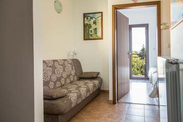 Matulji, Living room in the apartment, air condition available and WiFi.