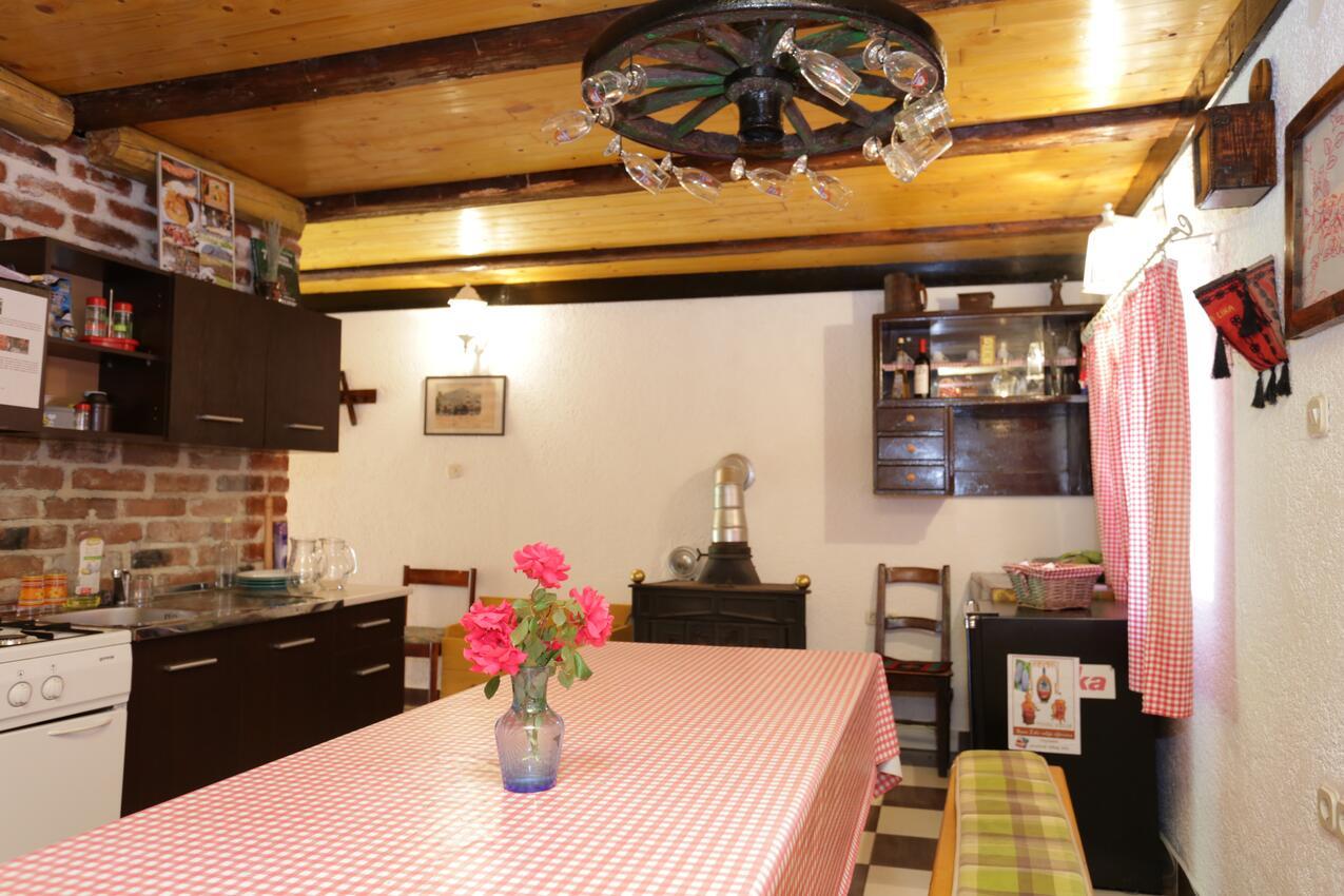 Ferienwohnung im Ort Peruai (Velebit), Kapazität 4+2 (2631071), Perusic, , Kvarner, Kroatien, Bild 4