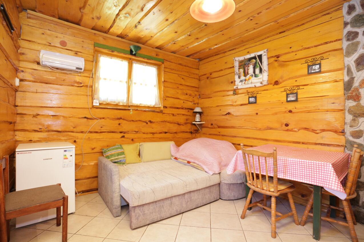Ferienwohnung im Ort Peruai (Velebit), Kapazität 3+2 (2631072), Perusic, , Kvarner, Kroatien, Bild 2