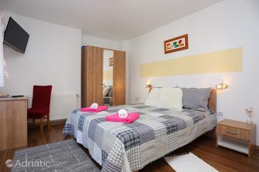 Vrhovine, Спальня в размещении типа room, WiFi.