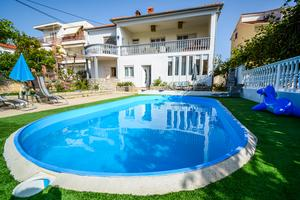 Family friendly apartments with a swimming pool Zadar - 17553